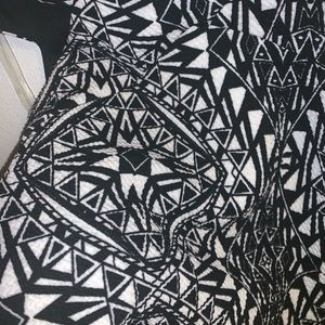 Dresses & Skirts - Black and white dress